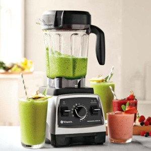 Vitamix green smoothie blender